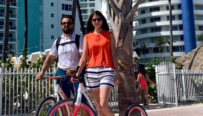 Riding CRUSSIS foot bikes / scooters in Miami